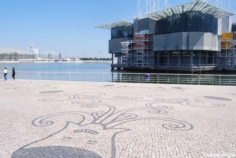Calçada portuguesa, Oceanário, Lisbon